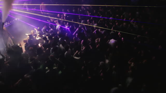 HA, WS Crowded dancefloor of young Koreans in a trendy nightclub in central Seoul / Seoul, South Korea