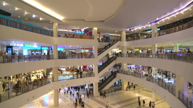 crowded many people in luxury shopping mall