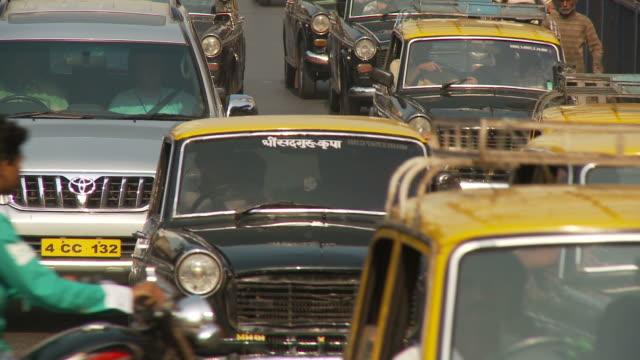 ms crowded street scene / mumbai, india - mumbai stock videos & royalty-free footage