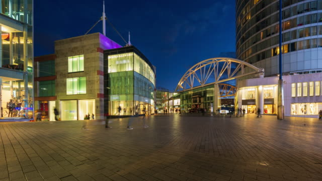 crowds at birmingham bull ring city centre at dusk, uk - 4k time-lapse - birmingham england stock videos & royalty-free footage