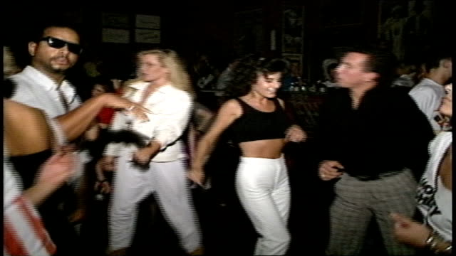 crowds dancing in nightclub in los angeles nightclub - sunset boulevard stock-videos und b-roll-filmmaterial