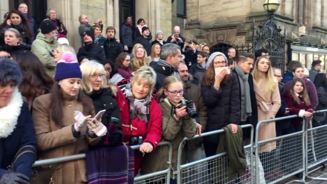 crowds gather awaiting meghan markle and prince harry in nottingham - ノッティンガム点の映像素材/bロール