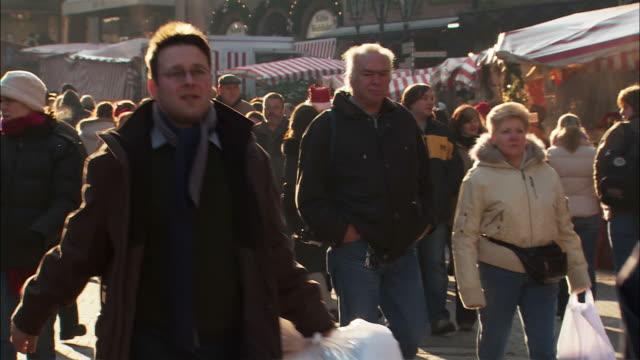 ms crowds in christkindlesmarkt (christmas market) / nuremberg, bavaria, germany - nuremberg stock videos & royalty-free footage