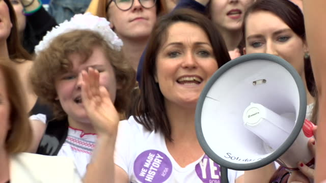 """crowds in dublin, ireland chanting """"we made history"""" after a referendum vote to repeal anti-abortion laws - referendum stock videos & royalty-free footage"""