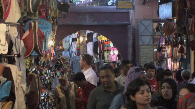 MS Crowds in souk, Marrakech, Morocco