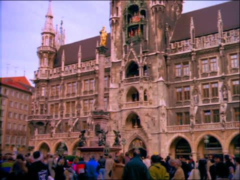 Crowds in the Marienplatz / Munich