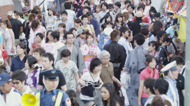 MS Crowds on the way to watch fireworks display / Tokyo, Tokyo-to, Japan