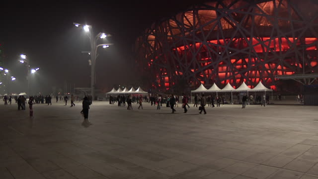 WS PAN Crowds outside National Aquatic Centre, Beijing Olympic Village / Beijing, China