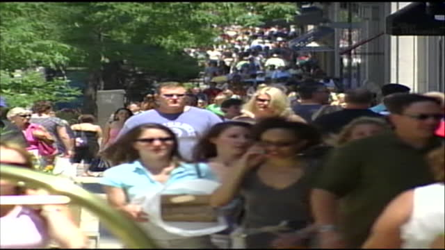 crowds walking on the sidewalk in chicago, illinois in the 2000s. - 2000s style stock videos & royalty-free footage