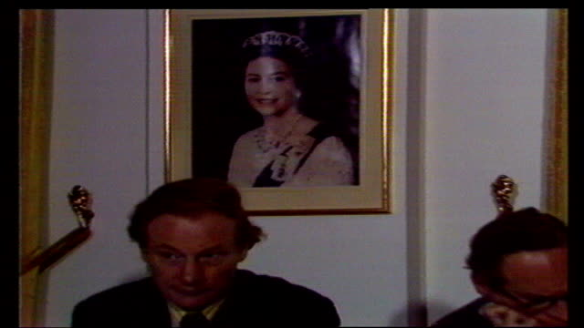 london av crown agents' headquarters tilt down ms d smith outside sof in the early 1970s public money ms portrait of the queen pull to top table as... - 1970 1979 stock videos & royalty-free footage