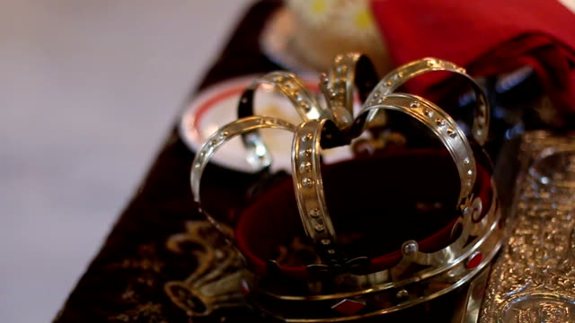 crown for a wedding - crown headwear stock videos & royalty-free footage