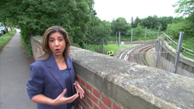 inquest rules crash deaths were 'accidental'; england: london: croydon: ext reporter to camera - misfortune stock videos & royalty-free footage