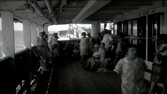 1925 cruise - entertaining the children - performer stock videos & royalty-free footage