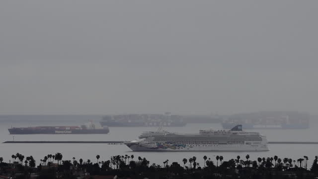 cruise ship and cargo ships anchored offshore from ports of long beach and los angeles dute to congestion. ship congestion around the ports of los... - port of los angeles stock videos & royalty-free footage
