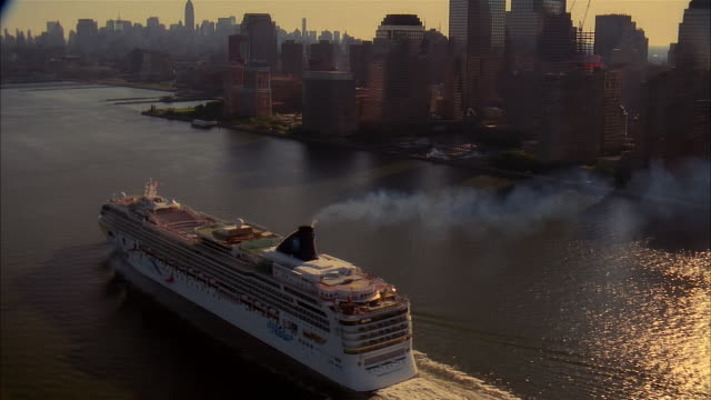 aerial cruise ship and cityscape, new york city, usa - cruise ship stock videos & royalty-free footage