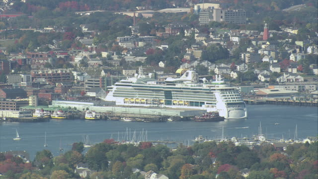 stockvideo's en b-roll-footage met aerial cruise ship docked in new england harbor / portland, maine, united states - passagiersboot