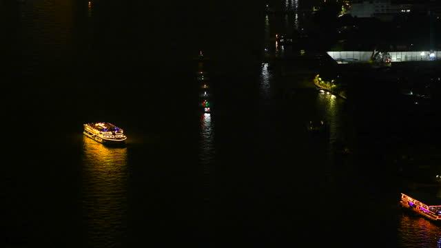 vídeos y material grabado en eventos de stock de crucero por la noche, ciudad de bangkok, tailandia - ferry