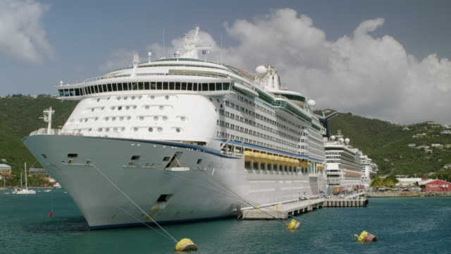 WS AERIAL POV Cruise ship moored in harbour / Charlotte Amalie, Saint Thomas, US Virgin Islands, United States