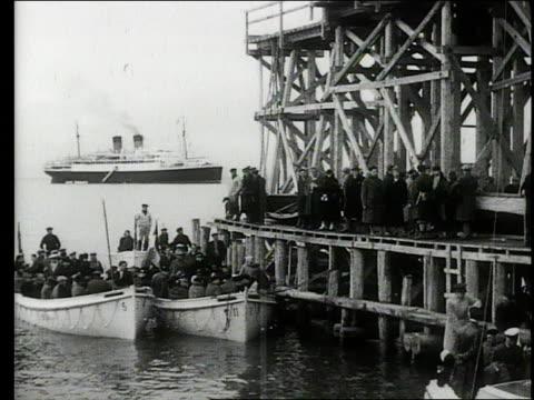 vídeos y material grabado en eventos de stock de cruise ship tour of the coast of norway - crucero vacaciones