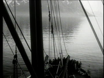 vídeos de stock, filmes e b-roll de cruise ship tour of the coast of norway - oceano atlântico