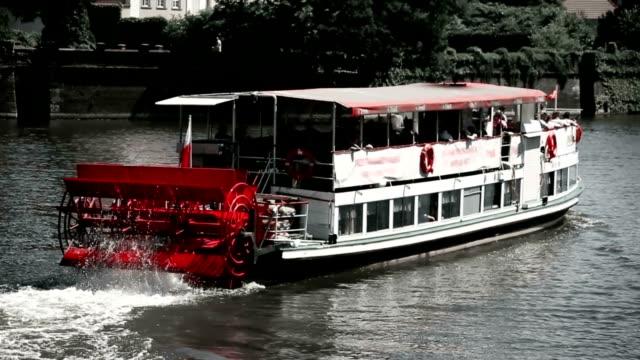 vídeos y material grabado en eventos de stock de barco crucero - barco de pasajeros