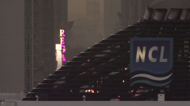 a cruiseliner passes 42nd street early in the morning. - 42nd street stock videos & royalty-free footage