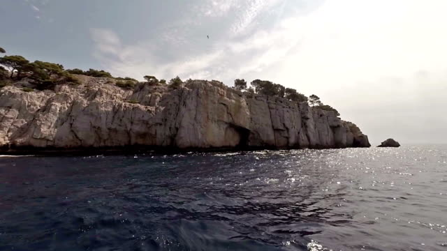 cruising in calanques area of cassis - pjphoto69 個影片檔及 b 捲影像