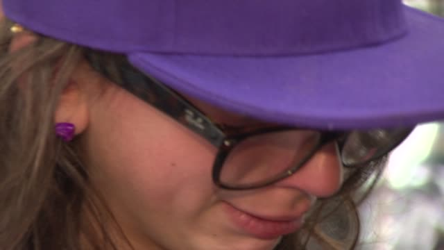 crying fans at justin bieber meet and greet, autograph signing at j&r music and computer world on june 19, 2012 in new york, new york - autographing stock videos & royalty-free footage