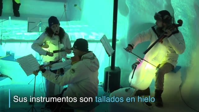 cuando tim linhart empezo a fabricar instrumentos musicales con hielo estos solian acabar rompiendose ruidosamente - hielo stock videos & royalty-free footage
