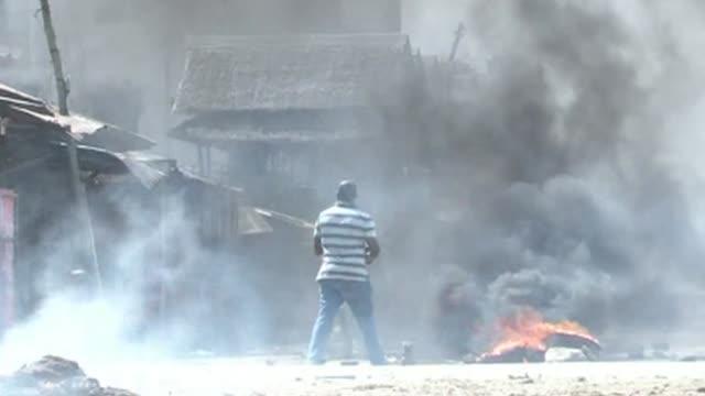 Cuatro personas murieron este viernes en Mombasa segunda ciudad de Kenia durante una protesta surgida un dia despues de la muerte de un predicador...