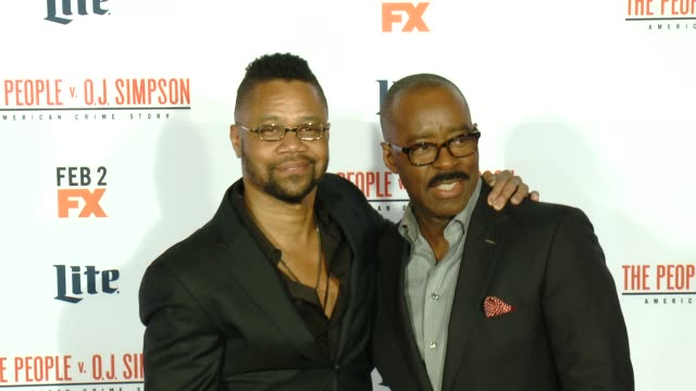 vídeos de stock e filmes b-roll de cuba gooding jr and courtney b vance at fx's the people v oj simpson american crime story premiere at westwood village theatre on january 27 2016 in... - westwood village