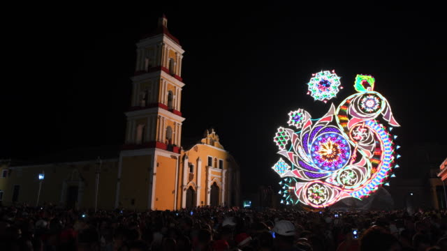 Cuba: the traditional 'Parranda de Remedios', light display by the El Carmen contending side