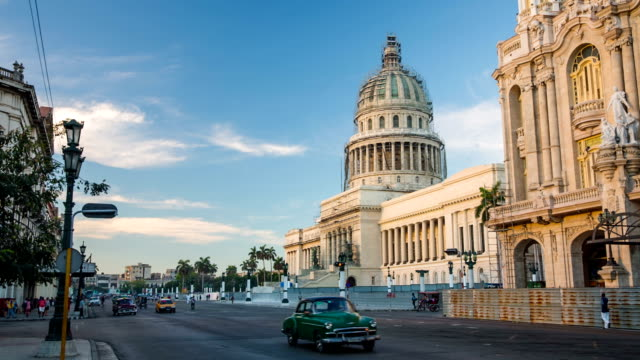 cuba: travel : capitolio in havana with vintage cars, cuba - cuba video stock e b–roll