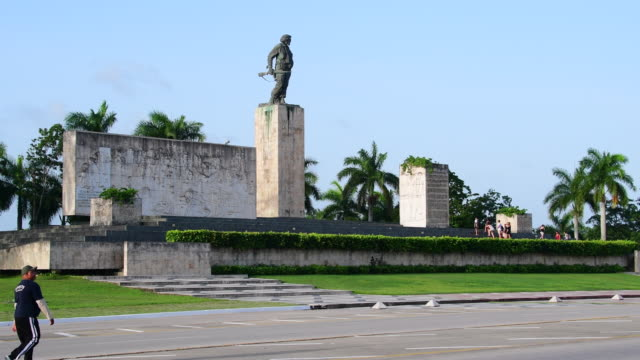 ernesto che guevara bronze statue and monument area the landmark is a major tourist attraction in the caribbean island the sculptural complex was... - che guevara stock videos & royalty-free footage