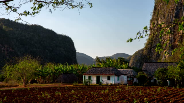 Cuba: Travel : Farmhouse in Vinales Valley, Cuba - pan