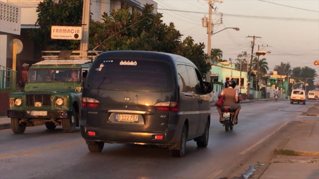 cuban transportation and lifestyle scenes in an early weekday morning. the caribbean island is known for the variety in vehicles and cars coming from... - weekday stock videos & royalty-free footage