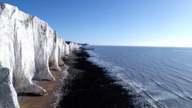 cuckmere haven, seven sisters cliffs - イーストサセックス点の映像素材/bロール
