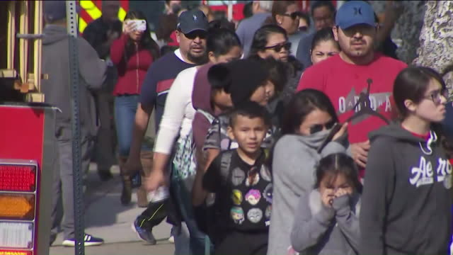 cudahy, ca, u.s. - kids leaving school in cudahy after delta flight drops jet fuel while returning to lax on tuesday, january 14, 2020. - elementary school stock videos & royalty-free footage