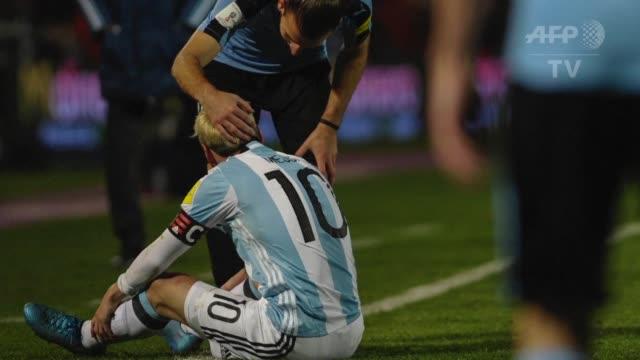 Cuidar de su pubalgia al goleador de Argentina Lionel Messi obligo el viernes al cuerpo tecnico a dejarlo afuera del partido contra Venezuela el...