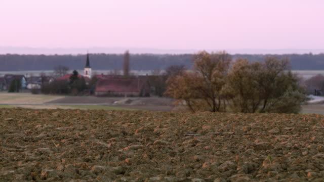 DS kultivierten Feldern in der Nähe des Dorfes