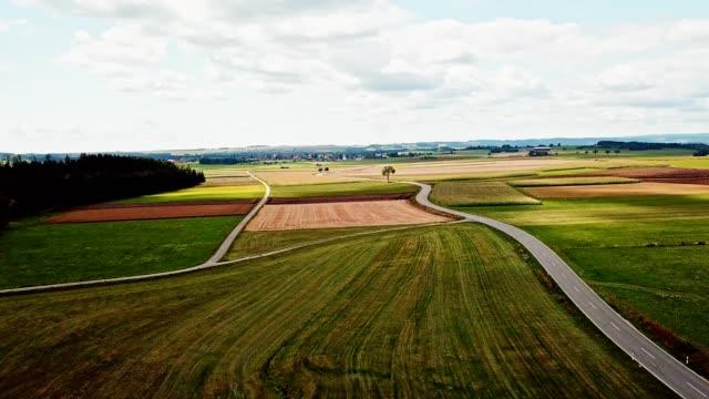 バーデン・ヴルテンベルクで耕された土地 - シュバルツバルト点の映像素材/bロール