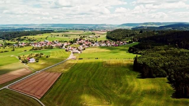 vídeos y material grabado en eventos de stock de tierra cultivada en baden wurttemberg - campo tierra cultivada