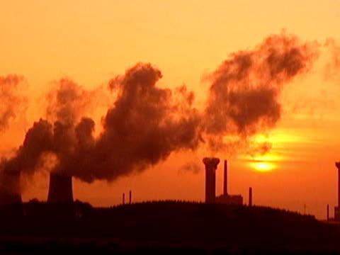 cumbria sellafield dusk gvs sellafield nuclear reprocessing plant at sunset lib air views sellafield - sellafield nuclear power station stock videos & royalty-free footage