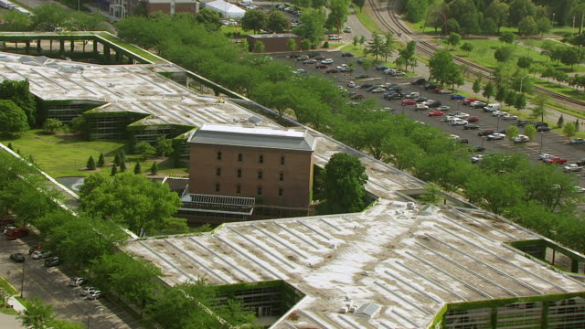Ws Aerial Pov Cummins Inc Headquarters With Fountain And Courtyard