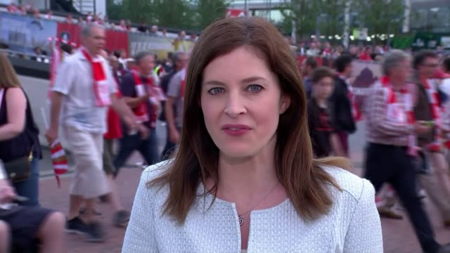 Arsenal beat Chelsea amidst tighter security Reporter to camera Arsenal fans leaving stadium Vox pops