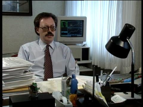 stockvideo's en b-roll-footage met currency problems; david morrison, chief international economist, goldman sachs intvwd: paul volcker, chairman federal reserve, 1979-85 intvwd: - voorzitter