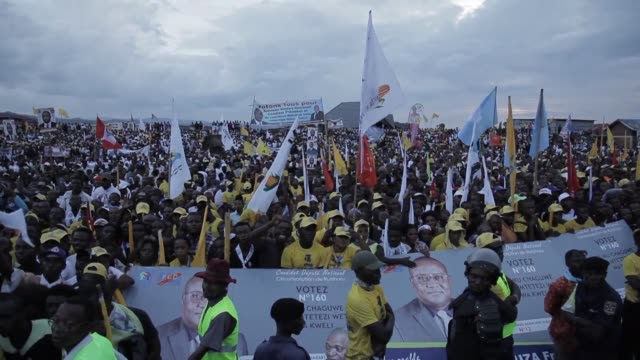 stockvideo's en b-roll-footage met current drc president joseph kabila's dolphin emmanuel ramazany shadary presidential candidate for the fcc gathers several thousand people at a... - common dolphin