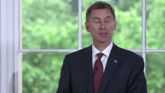 current foreign secretary jeremy hunt gives a speech as he launches his campaign to be next tory leader he has been endorsed by fellow cabinet... - 政治家 ジェレミー ハント点の映像素材/bロール