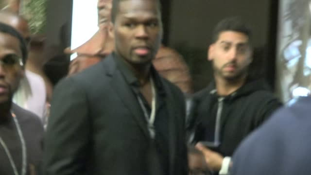 stockvideo's en b-roll-footage met curtis 50 cent jackson floyd mayweather jr in hollywood at celebrity sightings in los angeles curtis 50 cent jackson floyd mayweather jr in ho on... - amerikaanse munt