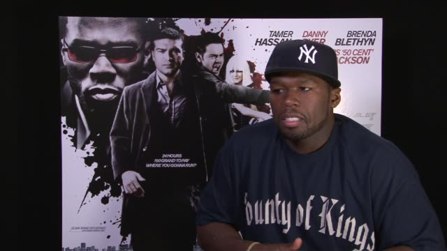 stockvideo's en b-roll-footage met curtis '50 cent' jackson on how rapping helps him as an actor it gives him confidence at the dead man running interviews at london england - 50 cent rapper